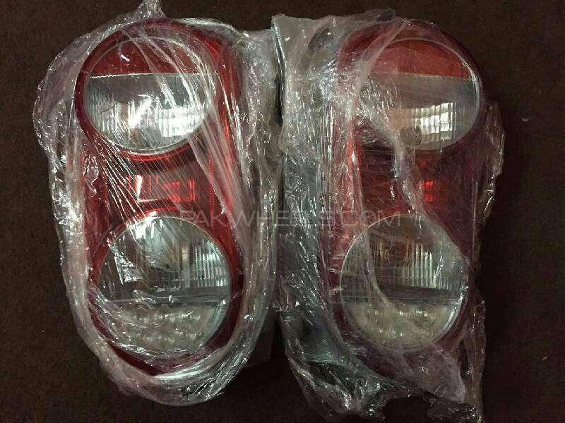 Toyota passo tail light pair Image-1