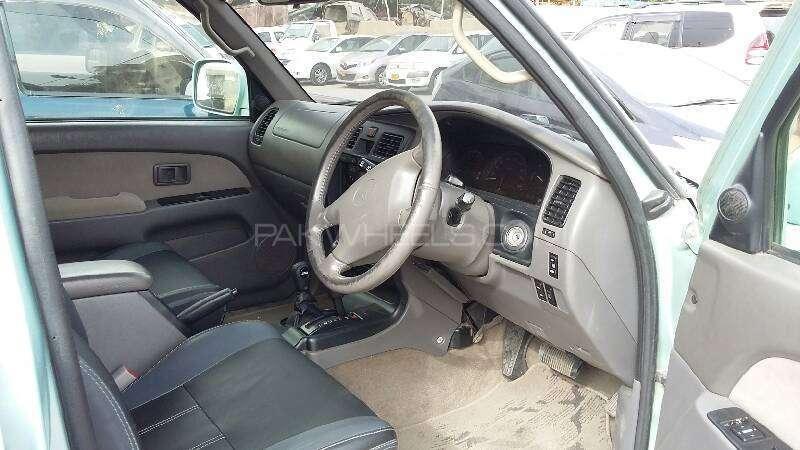 Toyota Hilux 1999 Image-9