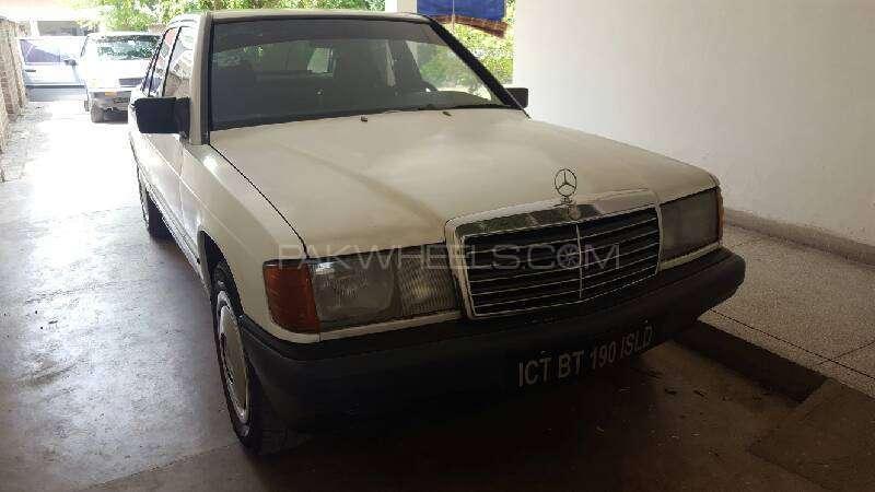 Mercedes Benz E Class E190 1988 Image-1