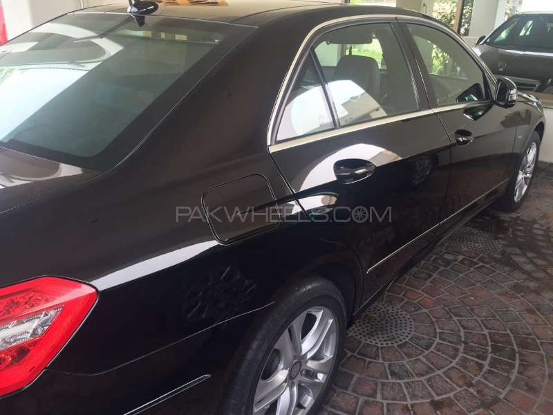 Mercedes Benz E Class 2011 For Sale In Lahore Pakwheels