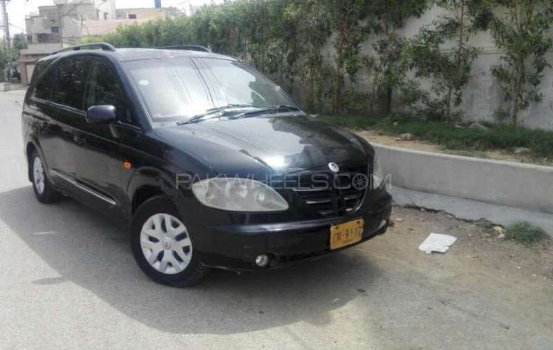 SsangYong Stavic 2011 Image-1