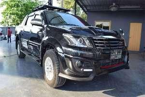 Toyota Hilux D-4D Automatic 2013 for Sale in Karachi