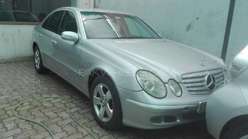 mercedes benz e class e220 cdi 2003 for sale in lahore pakwheels. Black Bedroom Furniture Sets. Home Design Ideas