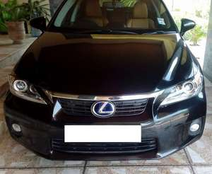 Slide_lexus-ct200h-version-l-2013-12320502