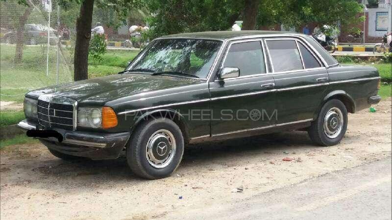 Mercedes Benz 200 D 1975 Image-5