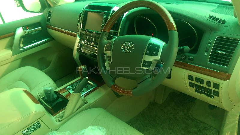 Toyota Land Cruiser ZX 2013 Image-6