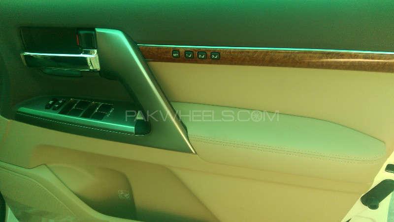 Toyota Land Cruiser ZX 2013 Image-16