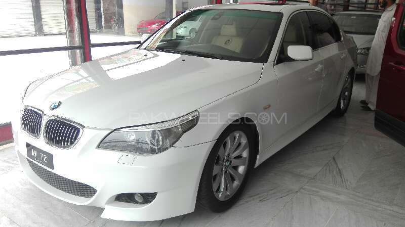 BMW 5 Series 523i 2006 Image-1