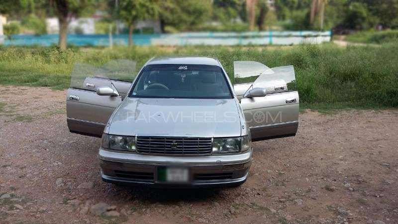 Toyota Crown Royal Saloon 1994 Image-1