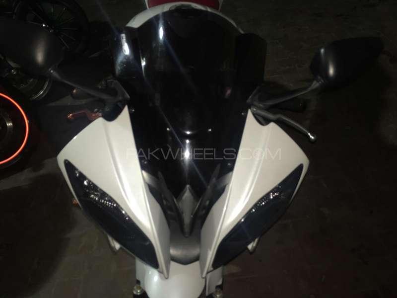 Yamaha YZF-R6 2009 Image-1