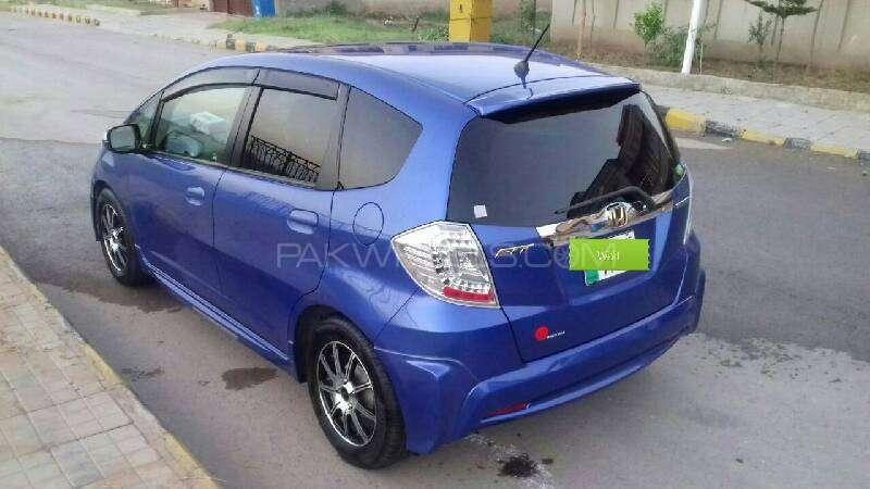 Honda Fit Hybrid Navi Premium Selection 2011 Image-3