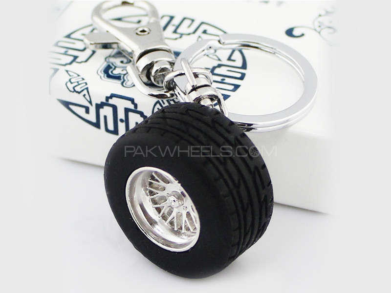 Keychain Metal 3D Tyre Image-1