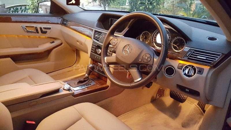 Mercedes Benz E Class E250 2011 Image-9