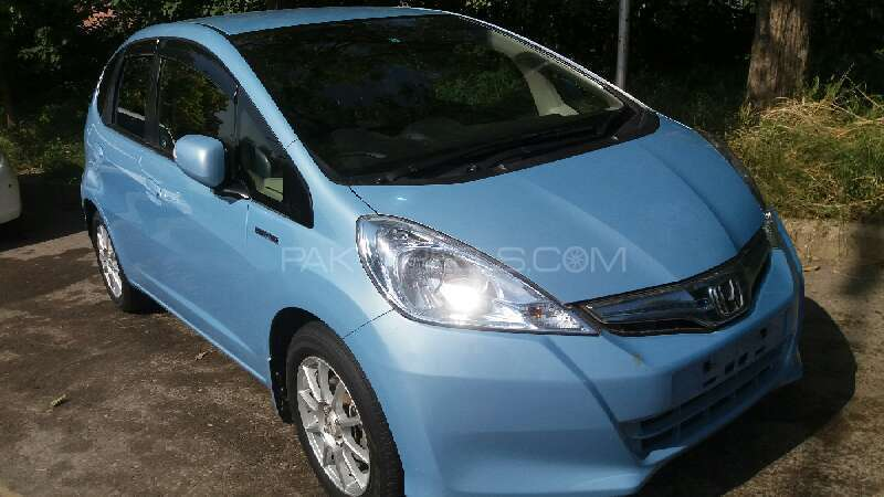 Honda fit base grade 1 3 2013 for sale in islamabad for 2013 honda fit base