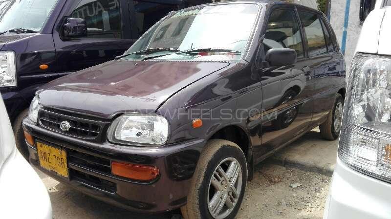 Daihatsu Cuore CL 2012 Image-1