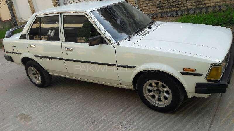 Toyota Corolla DX 1982 Image-8