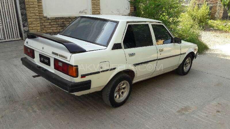 Toyota Corolla DX 1982 Image-9
