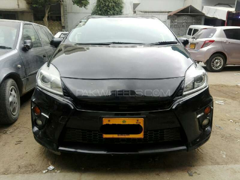 Toyota Prius S Touring Selection GS 1.8 2012 Image-1