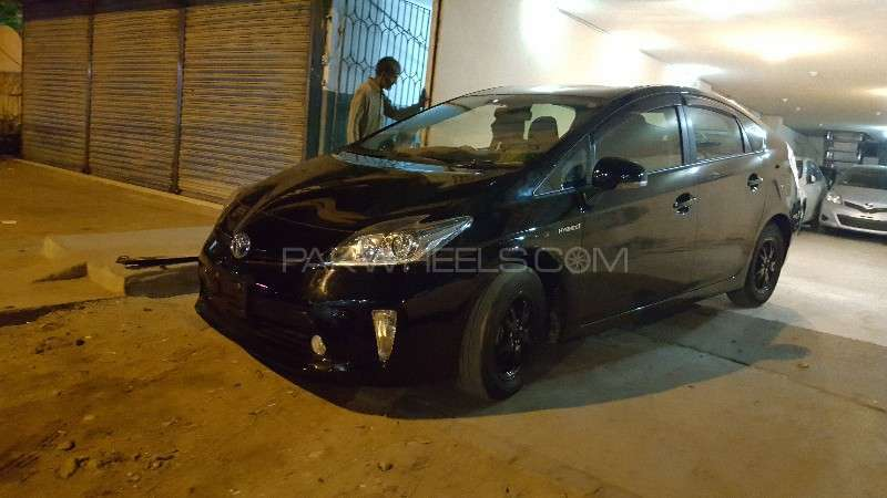 Toyota Prius S LED Edition 1.8 2013 Image-1