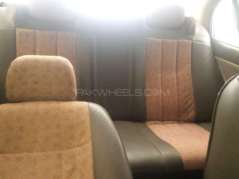 Honda Civic EXi 2005 Image-6