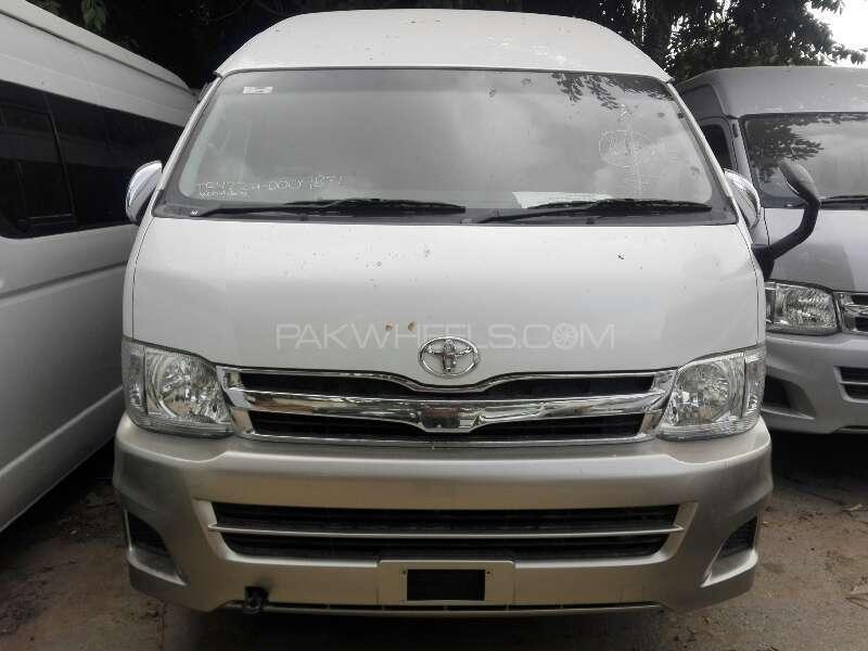 Toyota Hiace Grand Cabin 2011 Image-1
