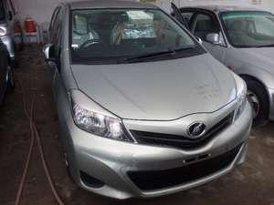 Toyota Vitz F 1.3 2013 for Sale in Multan