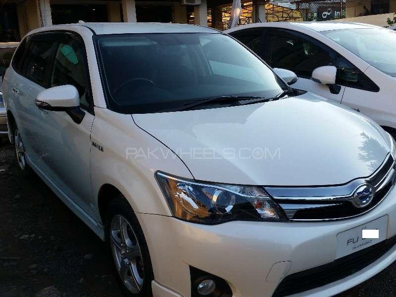 Toyota Corolla Fielder G 2014 Image-2