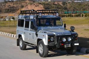Slide_land-rover-defender-110-2006-12993395