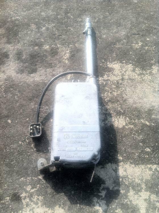 Mercedes Benz Automatic Antenna W110, W108, W114 & W115  Image-1