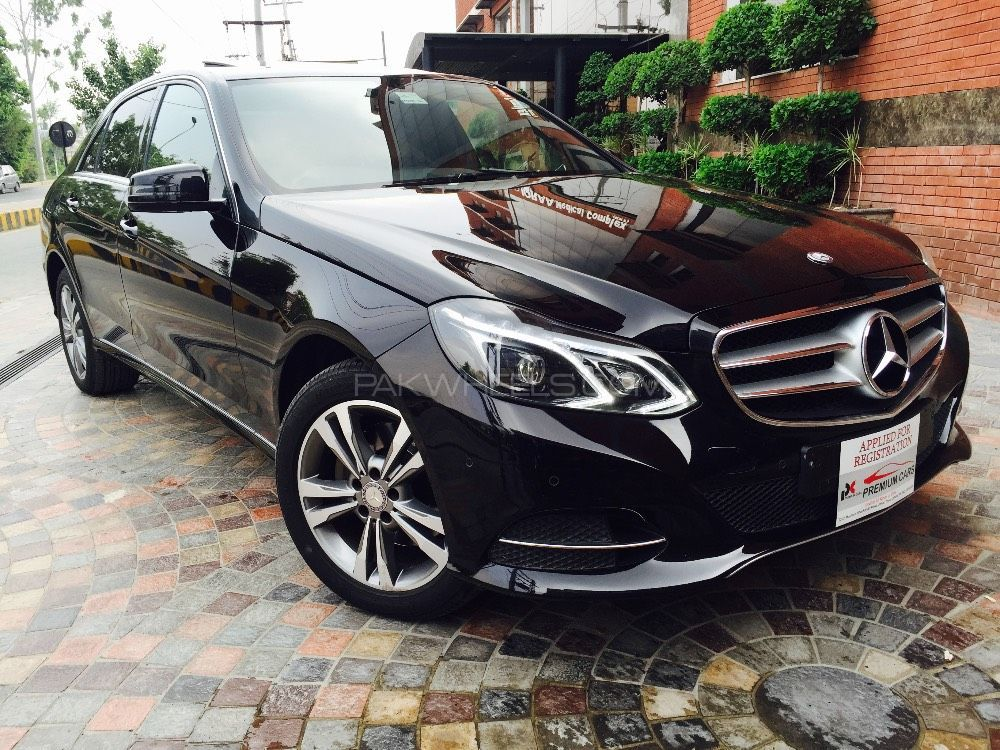 mercedes benz e class e300 2014 for sale in lahore pakwheels. Black Bedroom Furniture Sets. Home Design Ideas