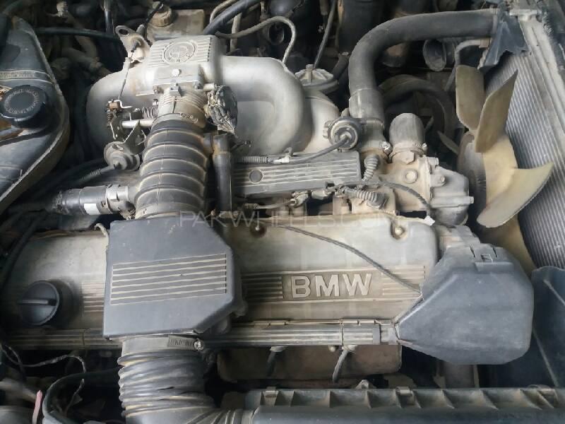 BMW E32 engine parts for sale Image-1