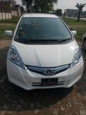 Honda Fit Hybrid Smart Selection 2013 for Sale in Gujranwala