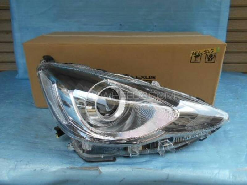Toyota aqua led headlights pair Image-1