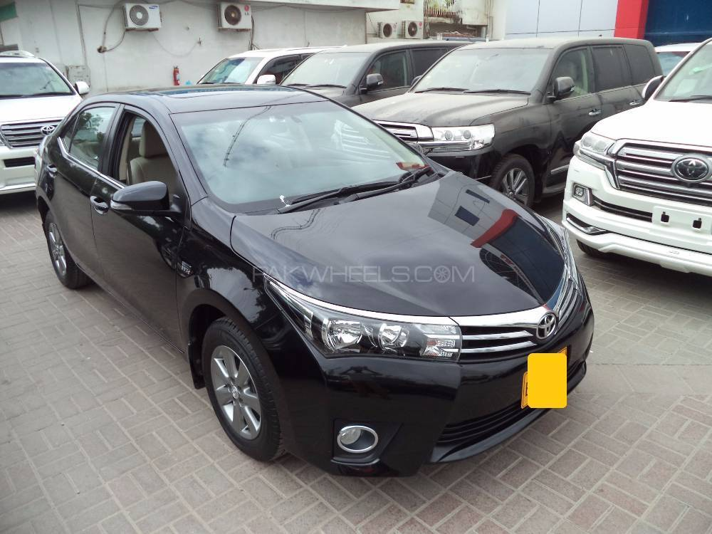 toyota corolla altis grande cvt i 1 8 2016 for sale in karachi pakwheels. Black Bedroom Furniture Sets. Home Design Ideas