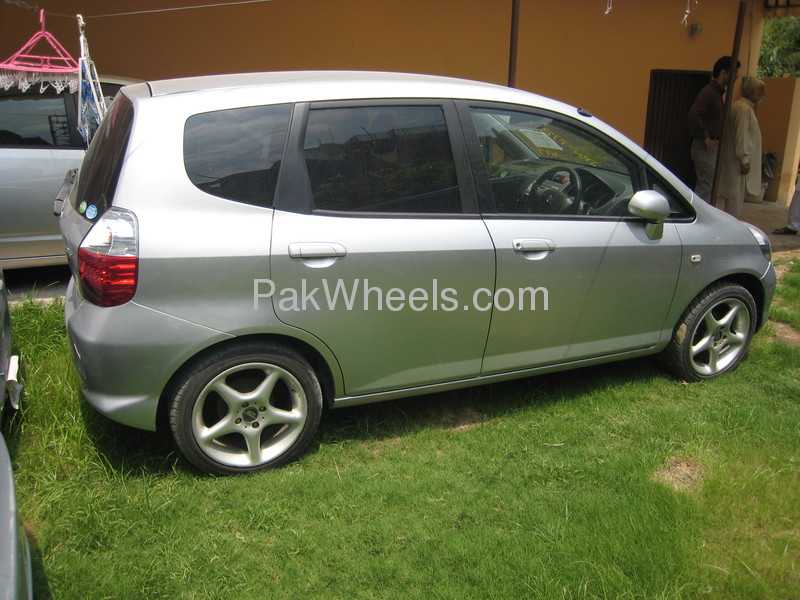 used honda fit 2007 car for sale in islamabad 446910 pakwheels. Black Bedroom Furniture Sets. Home Design Ideas