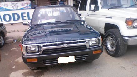 Toyota Hilux Double Cab 1989 Image-1