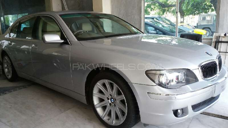 BMW 7 Series 745i 2007 Image-1
