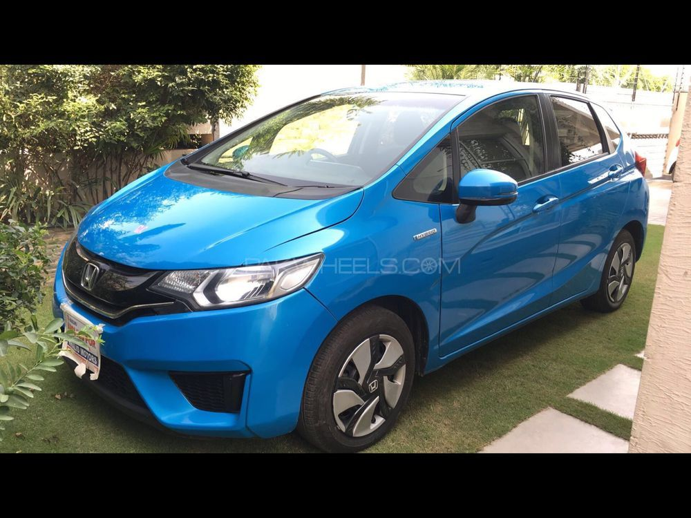 Honda Fit Hybrid F Package 2013 Image-1