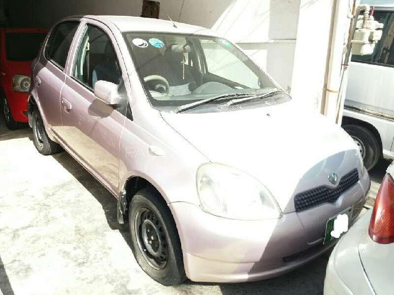 Toyota Vitz FL 1.0 2001 Image-1
