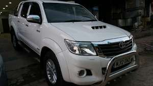 Toyota Hilux D-4D Automatic 2012 for Sale in Islamabad