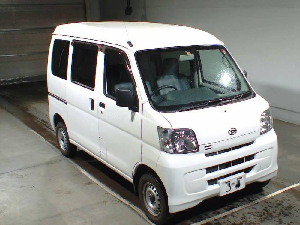 В 1974-ом году фирма daihatsu kogyo стала называться daihatsu motor company