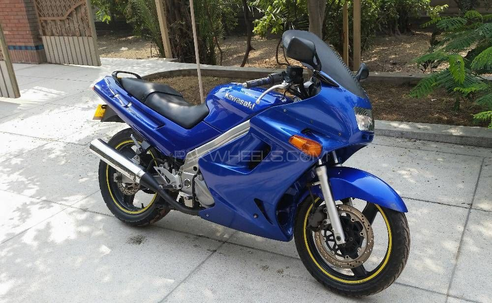 Kawasaki ZZR-250 2003 Image-1