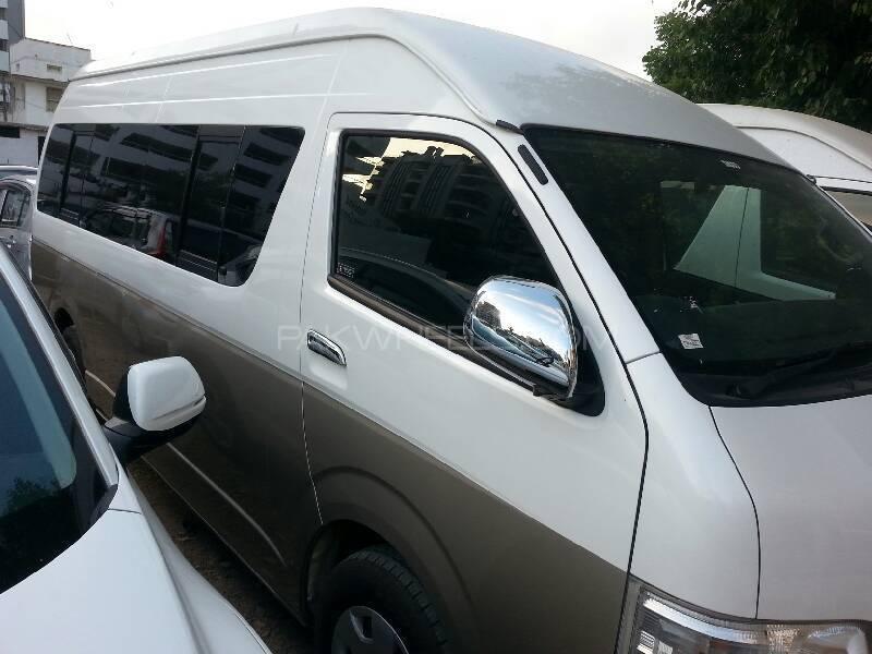 Toyota Hiace Grand Cabin 2012 Image-1