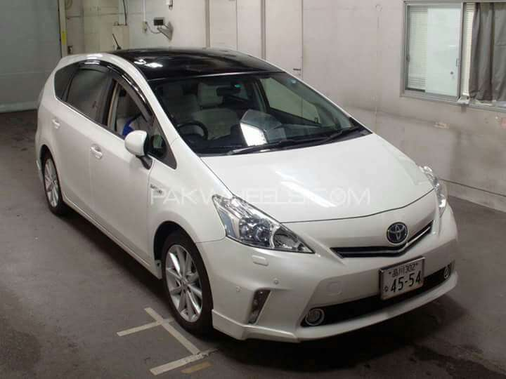 Toyota Prius Alpha S L Selection 2014 Image-1