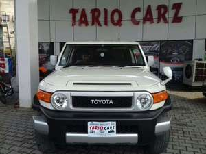 Toyota Fj Cruiser 2011 for Sale in Lahore