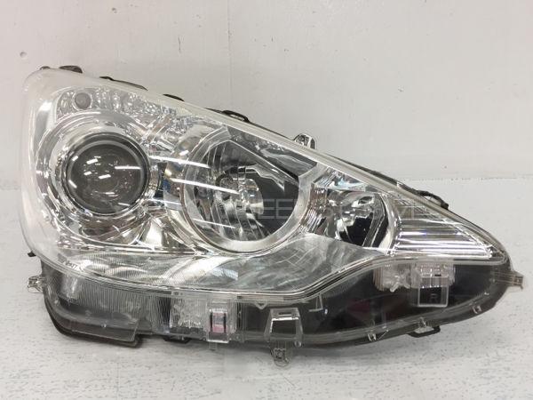 Aqua Headlight Right Side Image-1