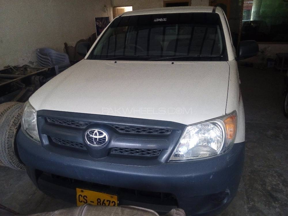 Toyota Hilux 4x2 Single Cab Standard 2009 Image-1