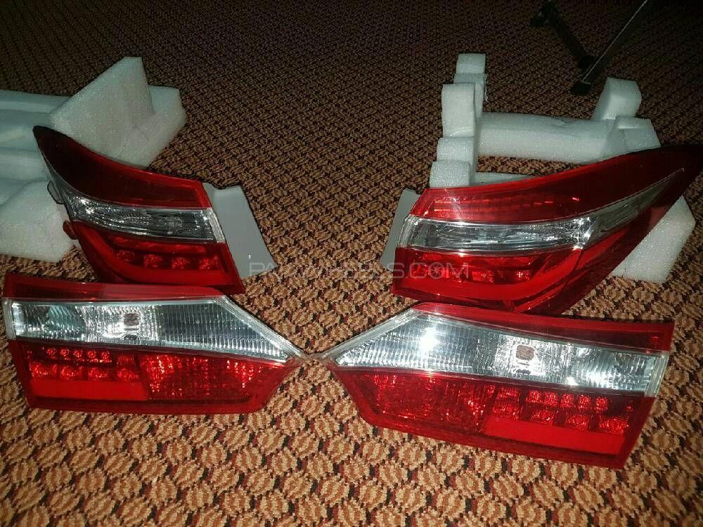 coroola tail lights Image-1