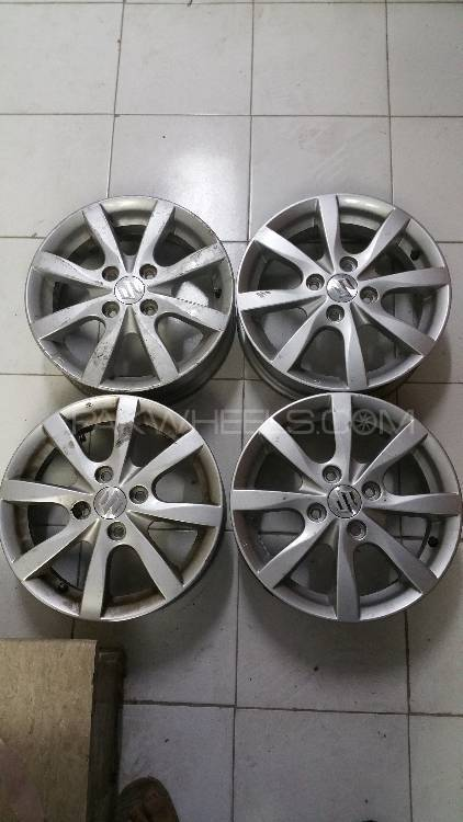 Alloy rims for sale Image-1