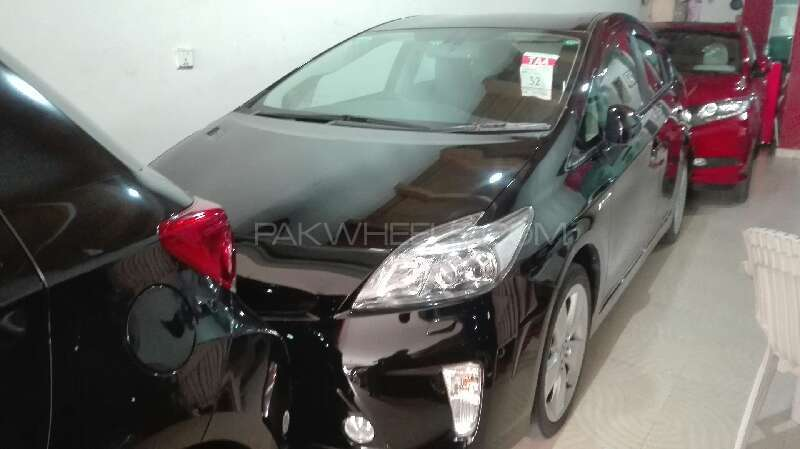 Toyota Prius G Touring Selection 1.8 2013 Image-1